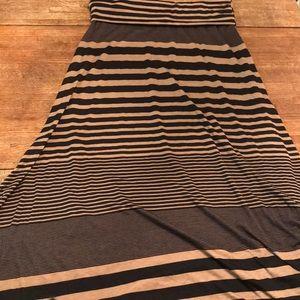 Tan and black maxi skirt size L